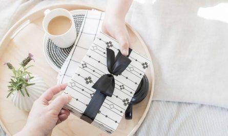 Quel cadeau plaira à une femme?