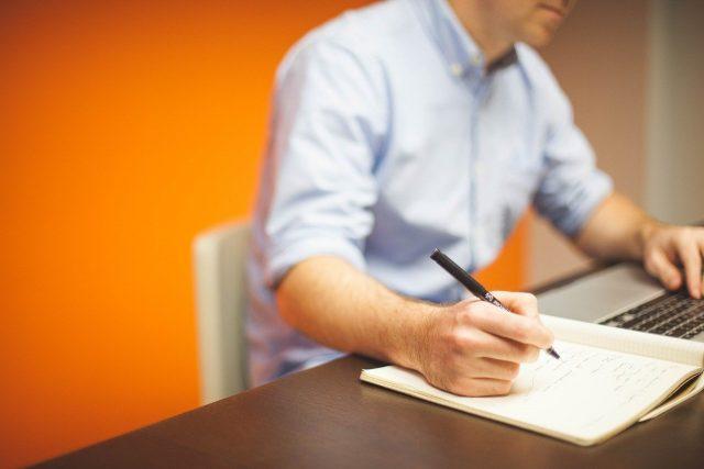 Comment connaître l'acheteur aide à promouvoir son entreprise?