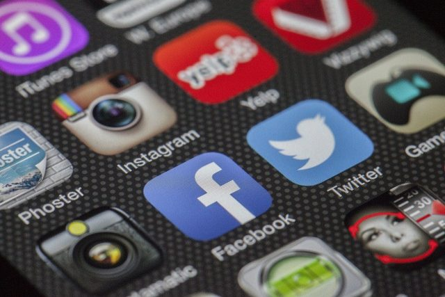 utiliser les médias sociaux pour les petites entreprises